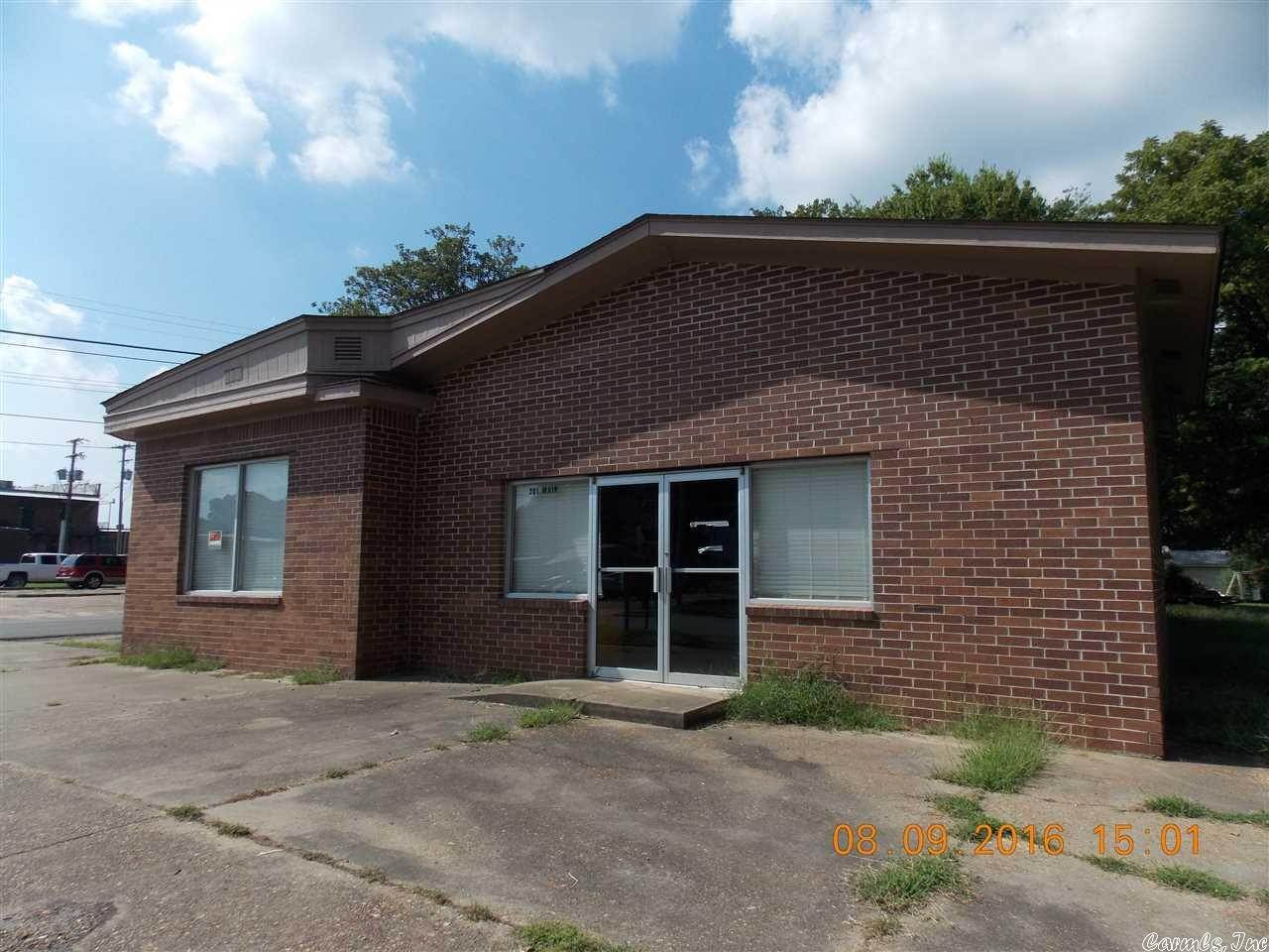 Commercial / Industrial for Sale at 301 Main Street Augusta, Arkansas 72006 United States