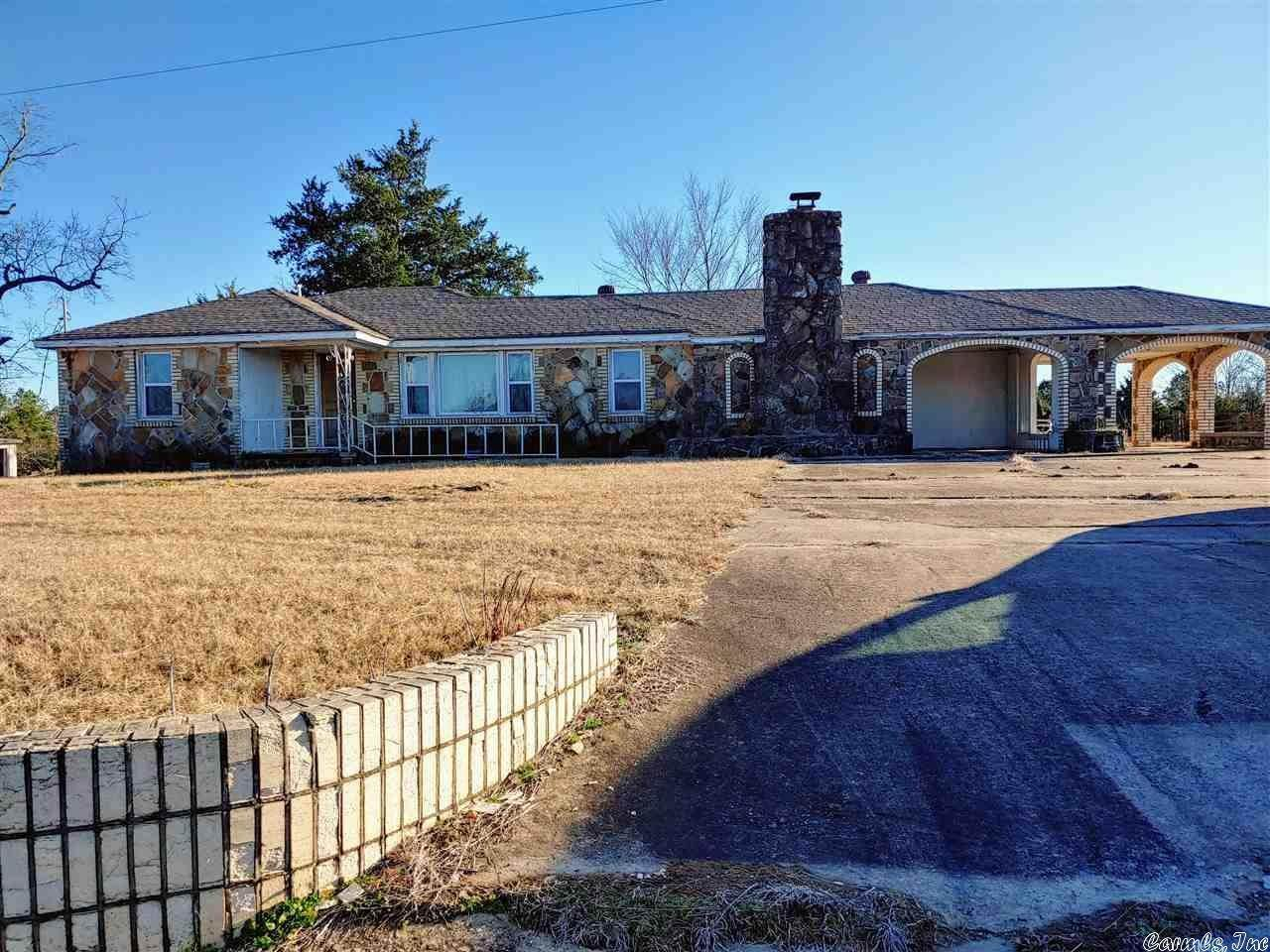 Residential for Sale at 105 Solomon Groves Rd Highway Twin Groves, Arkansas 72039 United States