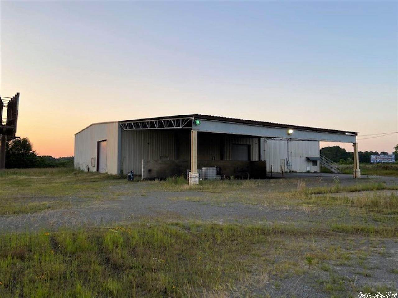 Commercial / Industrial for Sale at 109 Bradford Lane McRae, Arkansas 72102 United States
