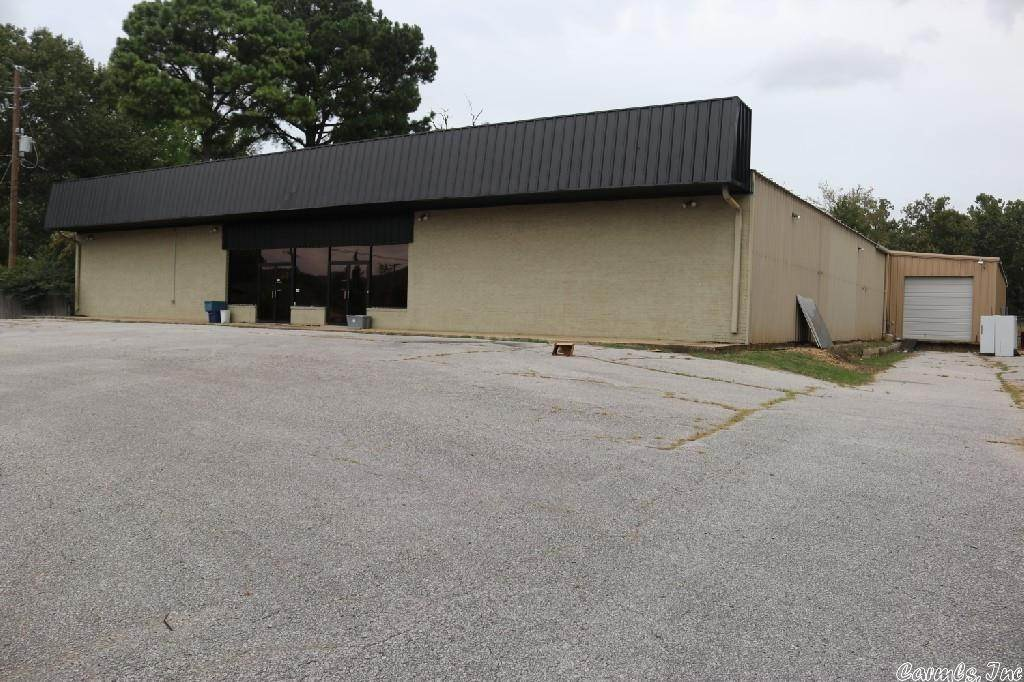 Commercial / Industrial for Sale at 906 E Main Street Mountain View, Arkansas 72560 United States