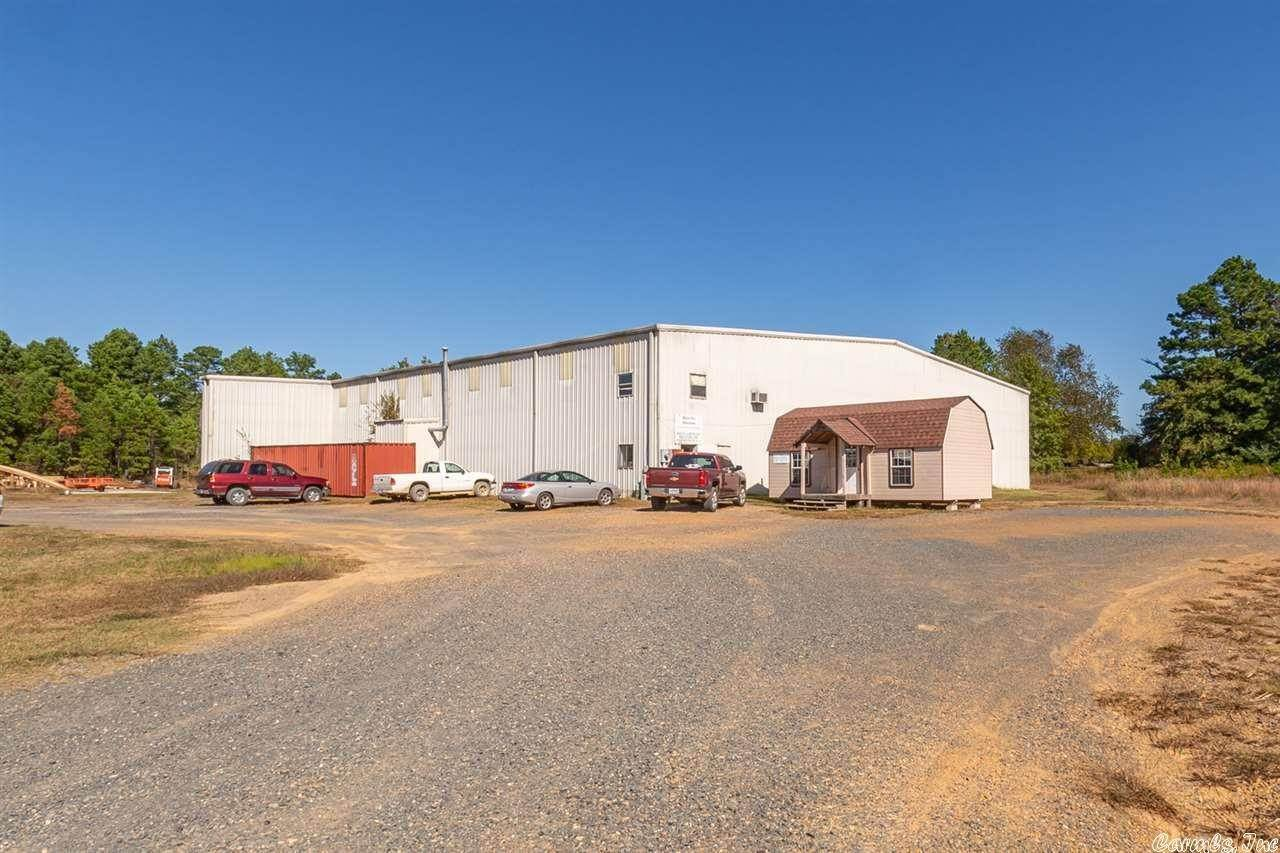 Commercial / Industrial for Sale at 120 Aviation Lane Mena, Arkansas 71953 United States