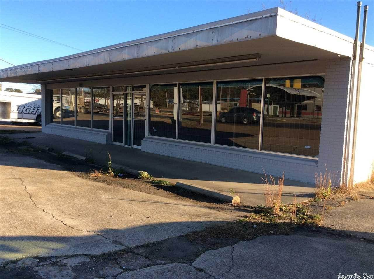 Commercial / Industrial for Sale at 1115 W 4th Fordyce, Arkansas 71742 United States