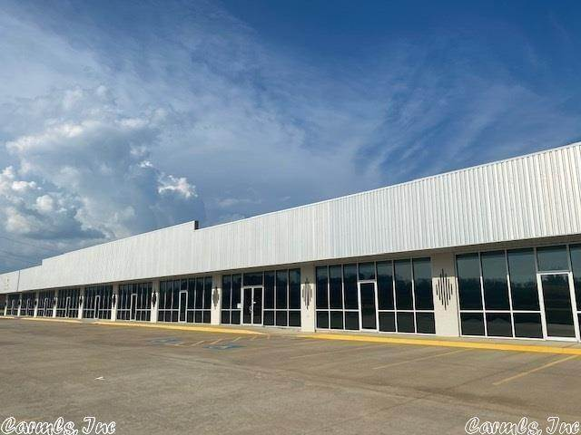 Commercial / Industrial for Sale at 5301 LINWOOD Drive Paragould, Arkansas 72450 United States
