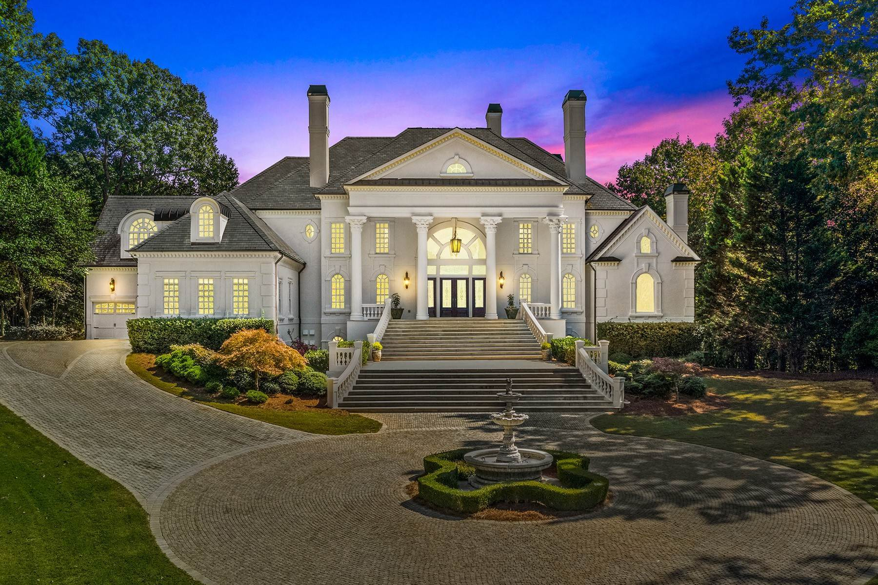 Single Family Homes для того Продажа на Majestic Estate Situated on Over a Two Acre Lot 3377 Nancy Creek Road NW Atlanta, Джорджия 30327 Соединенные Штаты
