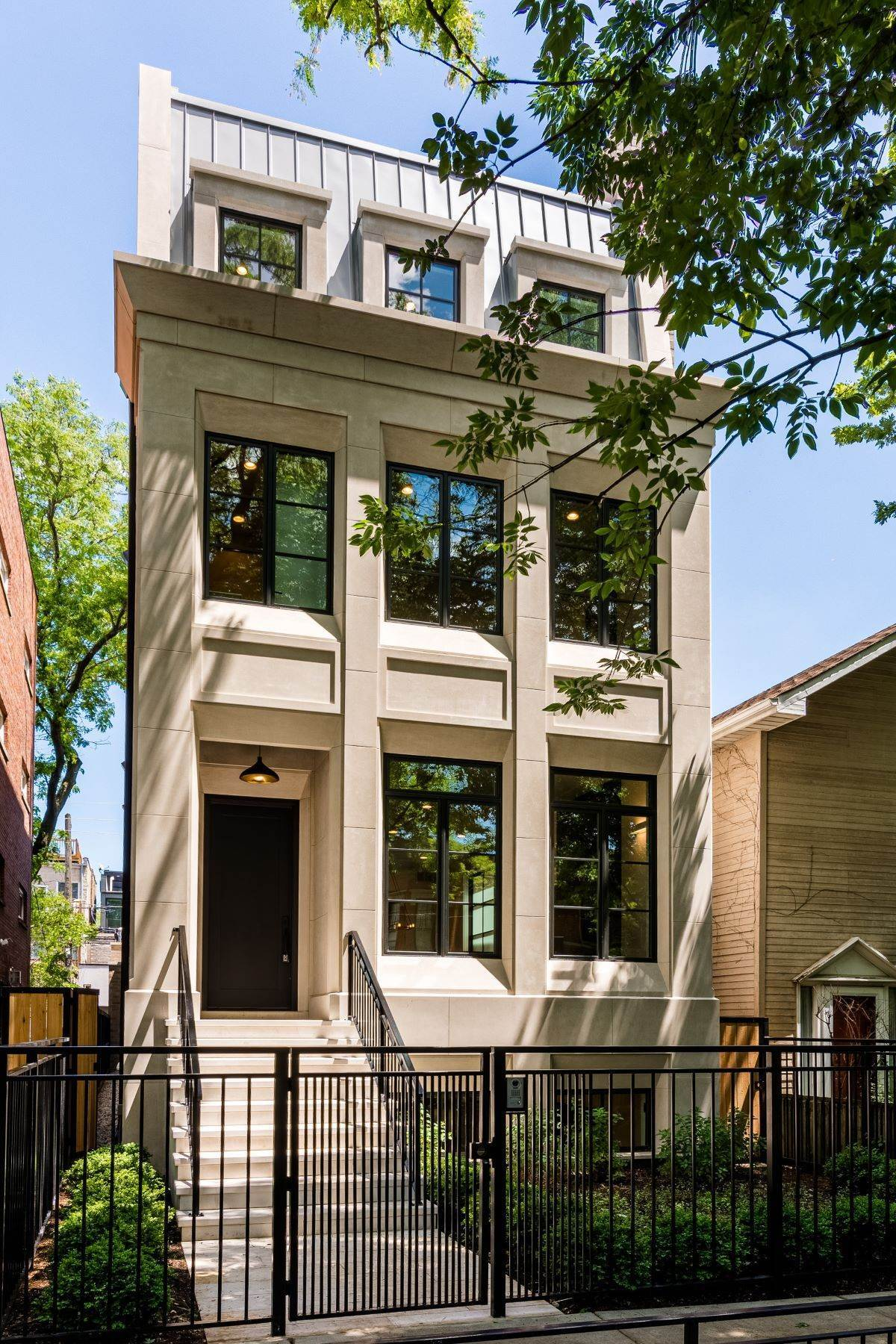Single Family Homes for Sale at Exceptional new Construction Home 1909 N Dayton Street Chicago, Illinois 60614 United States