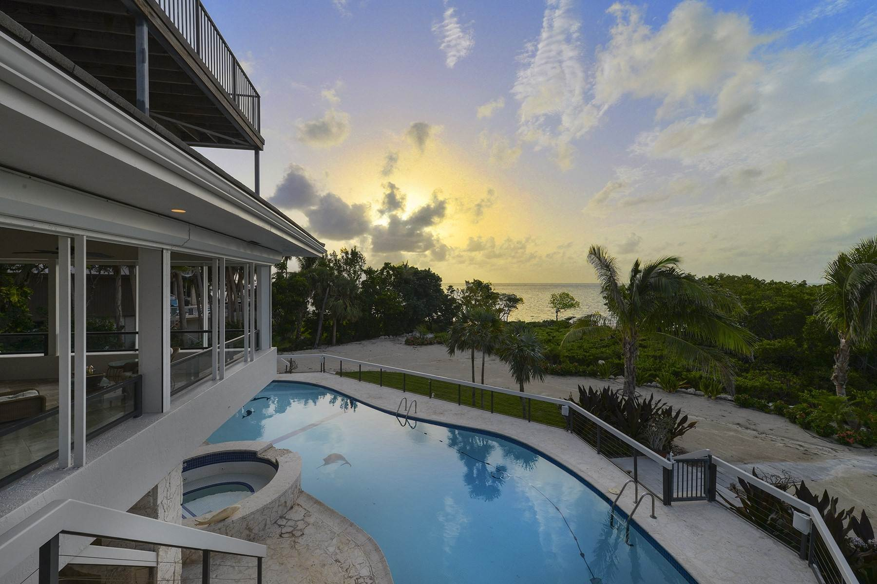 Single Family Homes のために 売買 アット 19 Sunrise Cay Drive, Key Largo, FL 19 Sunrise Cay Drive Key Largo, フロリダ 33037 アメリカ