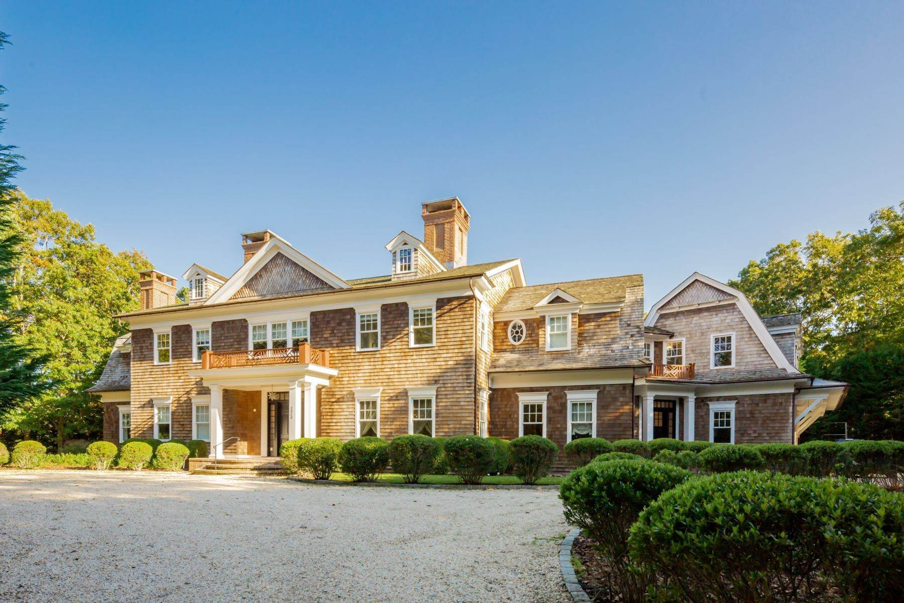 Single Family Homes のために 売買 アット Mansion-Level Noyac Home With Pool 2244 Noyac Road Sag Harbor, ニューヨーク 11963 アメリカ